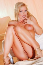 Silvia Saint - Summer Time With Silvia (Thumb 05)
